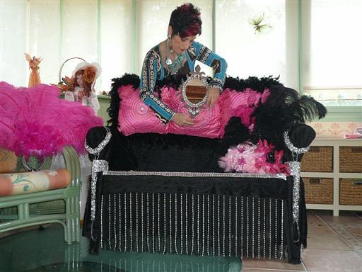 revue apotheose les coulisses atelier de creation confection fauteuil. Black Bedroom Furniture Sets. Home Design Ideas